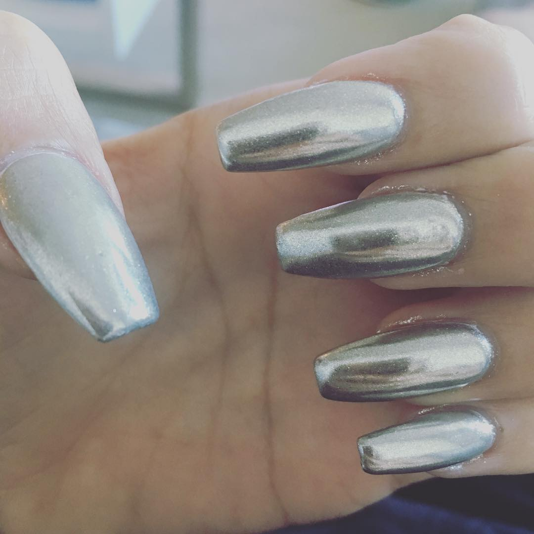 how to get silver chrome nails