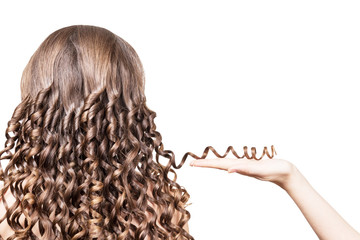 A Complete Guide on How to Make Your Hair Curly Overnight With Braids